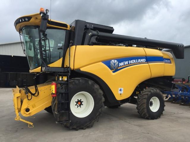 11168242 - New Holland CX5.90 Combine