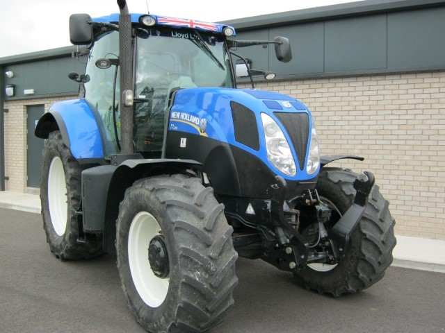 2117090 - New Holland T7.200 PC Tractor
