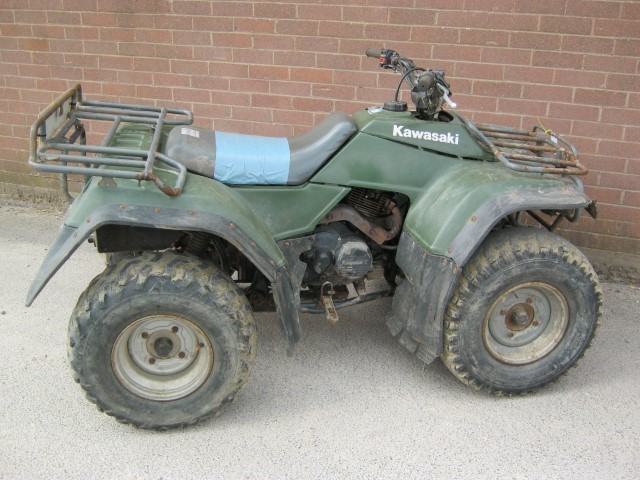 21171131 - Kawasaki KLF300 ATV Quad Bike