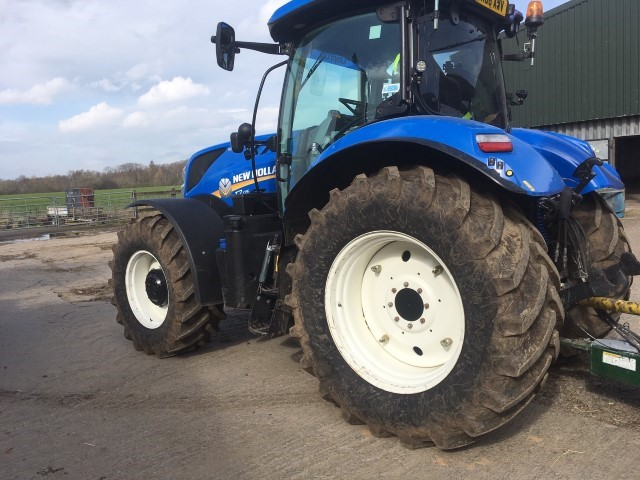21171630 - New Holland T7.175 Auto Command Tractor