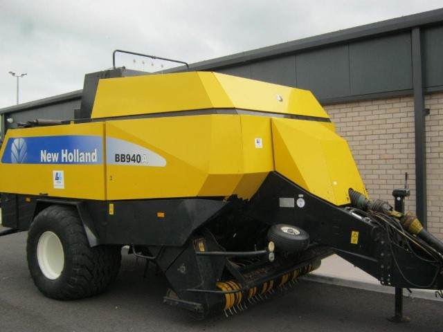 21173002 - New Holland BB940A Square Baler