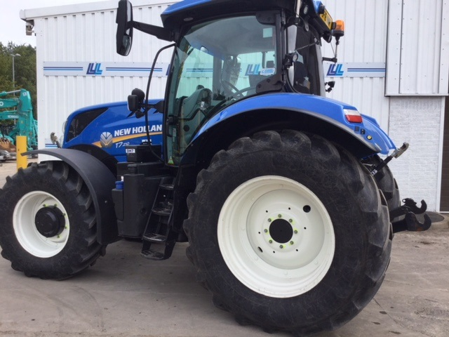 31161221 - New Holland T7.210 Tractor