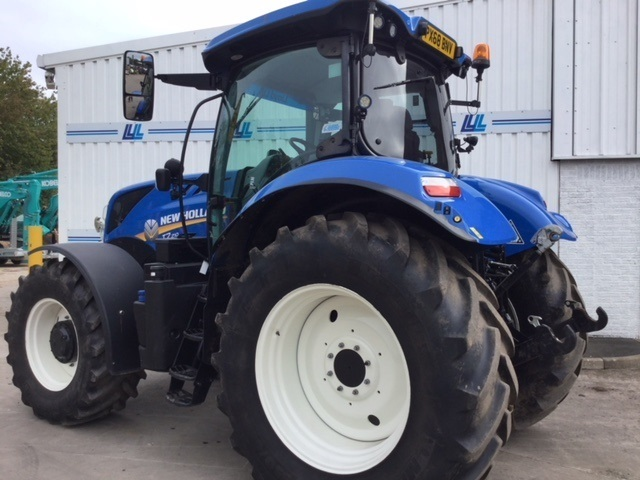 31167995 - New Holland T7.120 Side Winder Tractor