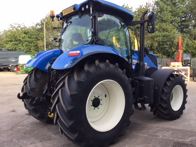 31169420 - New Holland T7.210 Classic Tractor