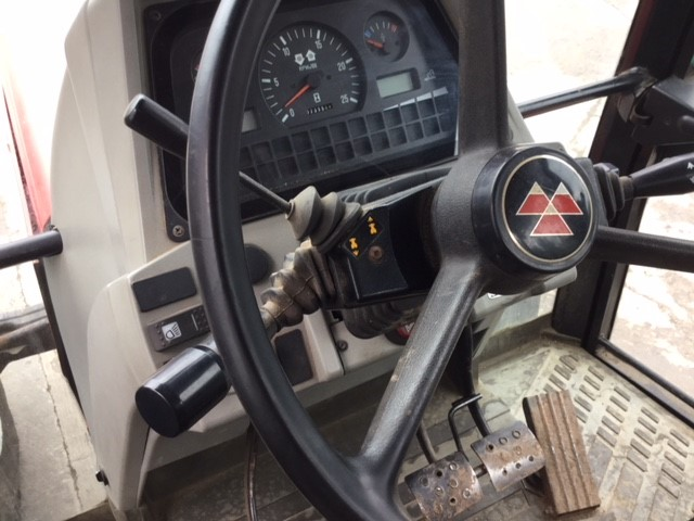 31171937 - Massey Ferguson 6170 Tractor