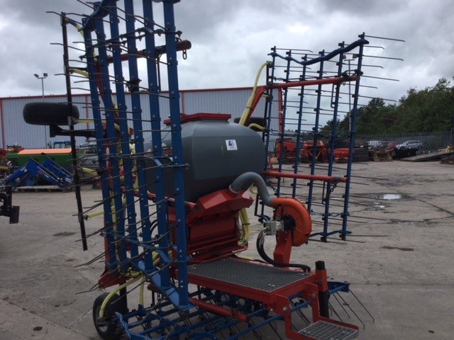 31172054 - Opico 6M Harrow/Seeder