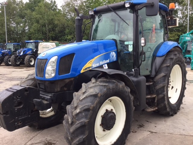 31173136 - New Holland T6030 Delta Tractor