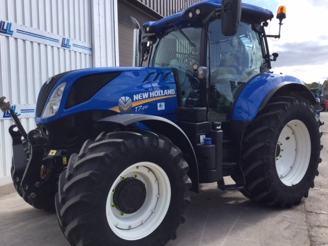 31173500 - New Holland T7.210 Tractor