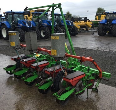 41170139 - Matco 5 Row Turnip Seeder