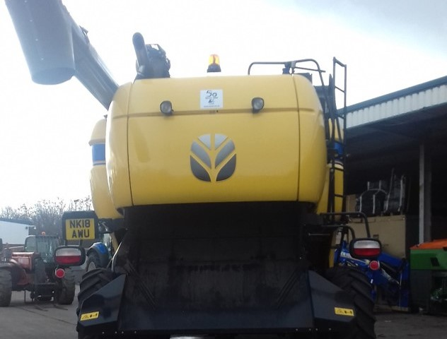 61159815 - New Holland CX8.70 Combine