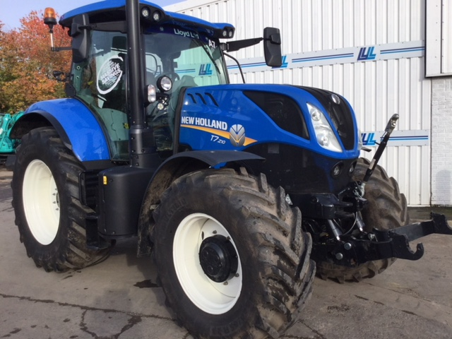 31167995 New Holland T7.120 Tractor