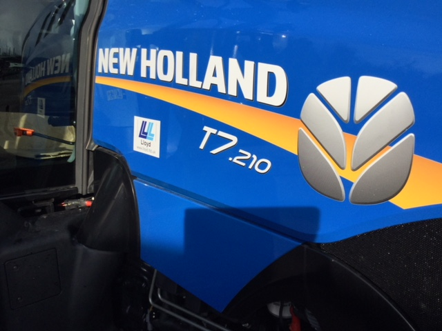 31161221 New Holland T7.210