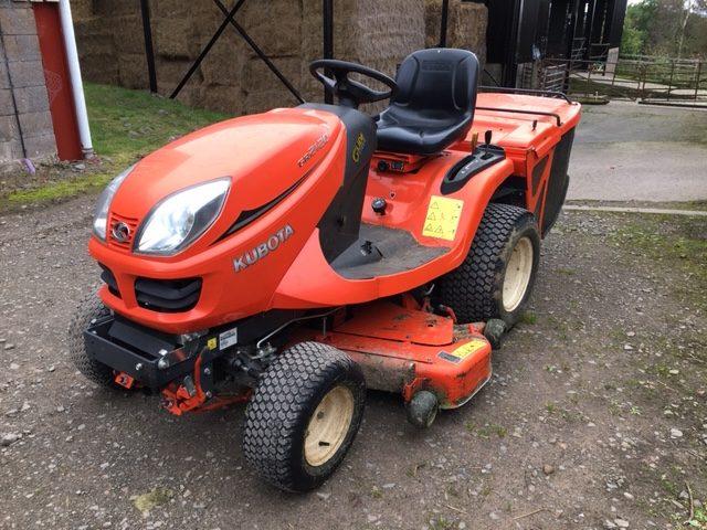 31176644 - Kubota GR2120 Garden Tractor